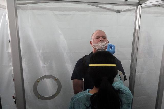 WHO cảnh báo bùng phát làn sóng dịch COVID-19 thứ 3 tại châu Âu vào đầu năm 2021 - Ảnh 1.