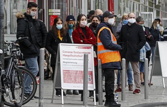 WHO cảnh báo bùng phát làn sóng dịch COVID-19 thứ 3 tại châu Âu vào đầu năm 2021 - Ảnh 2.