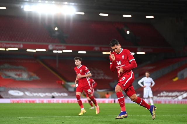 Thắng đậm Leicester, Liverpool vẫn chưa đòi được ngôi đầu Ngoại hạng Anh - Ảnh 3.