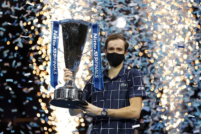 Vượt qua Thiem, Daniil Medvedev vô địch ATP Finals 2020 - Ảnh 4.