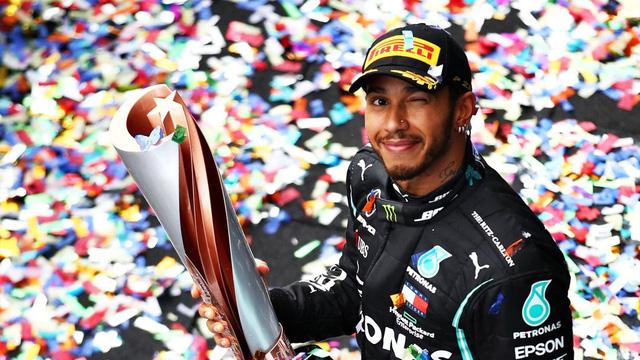Lewis Hamilton sẽ được phong tước Hiệp sĩ vào năm 2021 - Ảnh 1.