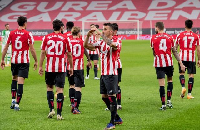 Kết quả, BXH các giải bóng đá VĐQG châu Âu sáng 24/11: Wolverhampton chia điểm trên sân nhà, Burnley giành chiến thắng nghẹt thở - Ảnh 3.