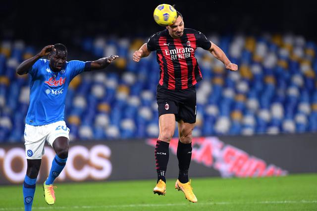 Xác định mức độ chấn thương của Ibrahimovic, AC Milan đứng ngồi không yên - Ảnh 1.