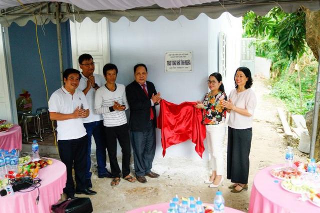 Hiệp hội Tấm lợp Việt Nam bàn giao 2 ngôi nhà tình nghĩa cho các gia đình khó khăn tại Cần Thơ - Ảnh 1.