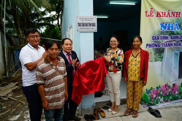 Hiệp hội Tấm lợp Việt Nam bàn giao 2 ngôi nhà tình nghĩa cho các gia đình khó khăn tại Cần Thơ - Ảnh 4.