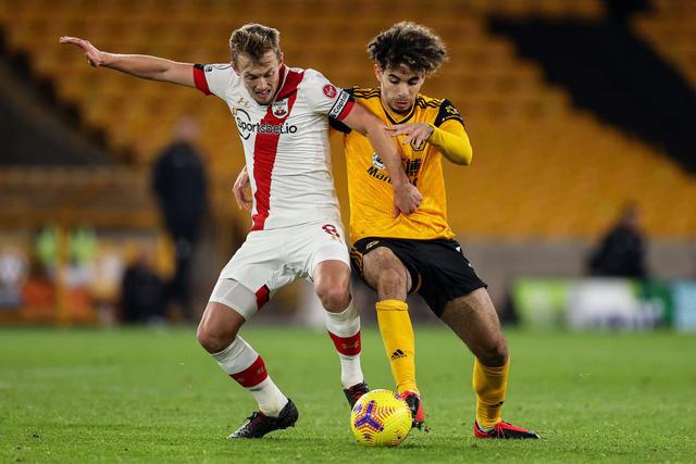 Kết quả, BXH các giải bóng đá VĐQG châu Âu sáng 24/11: Wolverhampton chia điểm trên sân nhà, Burnley giành chiến thắng nghẹt thở - Ảnh 1.