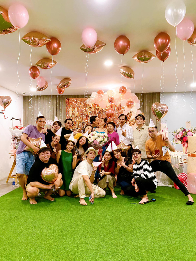 Hồ Ngọc Hà mừng sinh nhật hạnh phúc bên gia đình nhỏ - Ảnh 2.
