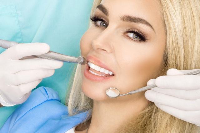 Hàm răng trắng nuôi dưỡng sự tự tin - Ảnh 2.