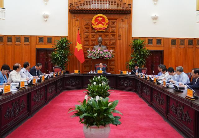 Thủ tướng Nguyễn Xuân Phúc: Cương quyết thực hiện thu phí tự động không dừng - Ảnh 1.
