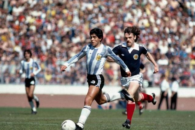 """Diego Maradona - Tiểu sử và thành tích của """"cậu bé vàng"""" Argentina - Ảnh 8."""