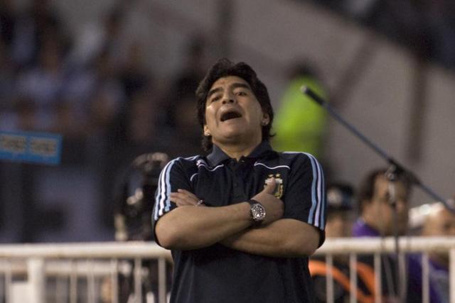 """Diego Maradona - Tiểu sử và thành tích của """"cậu bé vàng"""" Argentina - Ảnh 14."""