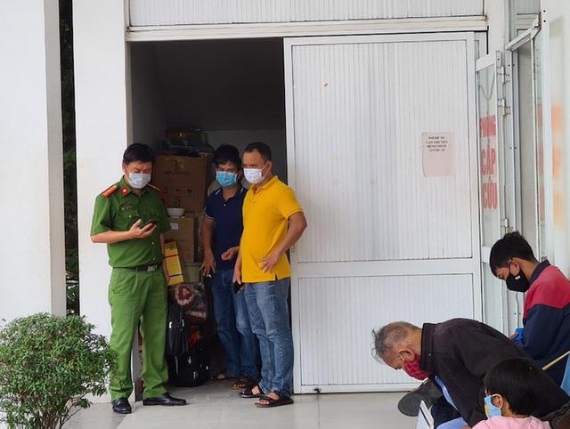 Bị nhắc vì trêu ghẹo nữ nhân viên bệnh viện, tài xế đâm thủng bụng bảo vệ |  VTV.VN