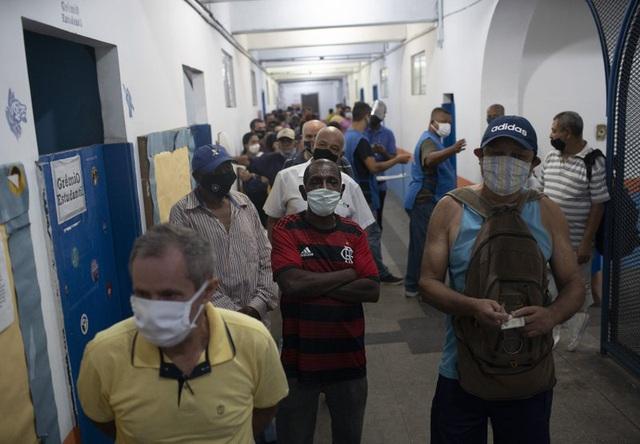 Hơn 61,2 triệu người mắc COVID-19 trên toàn cầu, Nga trở lại vị trí tâm dịch lớn thứ 4 thế giới - ảnh 1