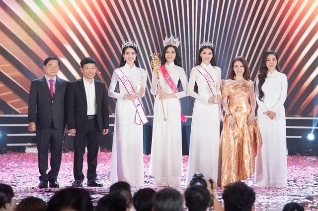 Soi vương miện của Hoa hậu Đỗ Thị Hà với Đỗ Mỹ Linh, Tiểu Vy và Lương Thùy Linh - Ảnh 3.