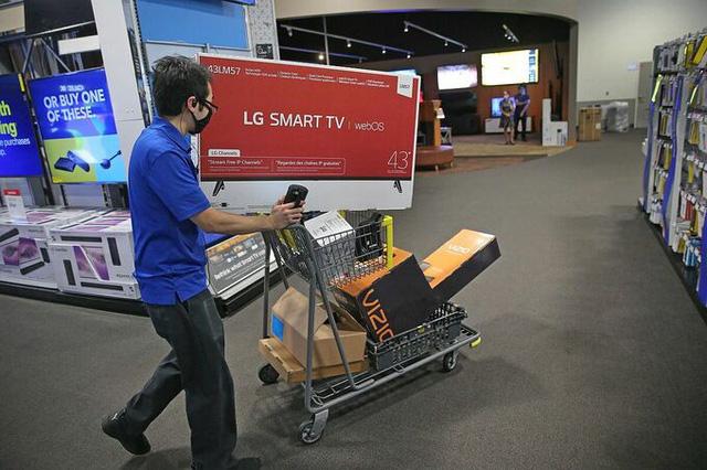 Các hãng bán lẻ Mỹ ứng phó với mùa mua sắm bất thường - Ảnh 2.