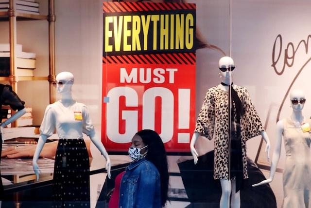 Các hãng bán lẻ Mỹ ứng phó với mùa mua sắm bất thường - Ảnh 1.