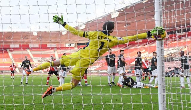 Southampton 2-3 Man Utd: Cavani lập cú đúp giúp M.U ngược dòng kịch tính - Ảnh 1.