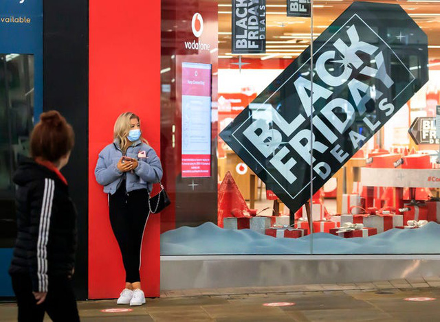 Người Mỹ chi kỷ lục 9 tỷ USD mua sắm trực tuyến ngày Black Friday - Ảnh 1.