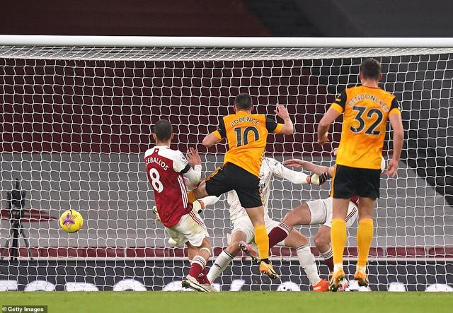 Arsenal 1-2 Wolverhampton: Arsenal tiếp tục trắng tay trên sân nhà (Vòng 10 Premier League 2020/21) - Ảnh 3.