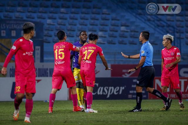 ẢNH: Quang Hải tỏa sáng, CLB Hà Nội loại CLB Sài Gòn khỏi cuộc đua vô địch - Ảnh 6.