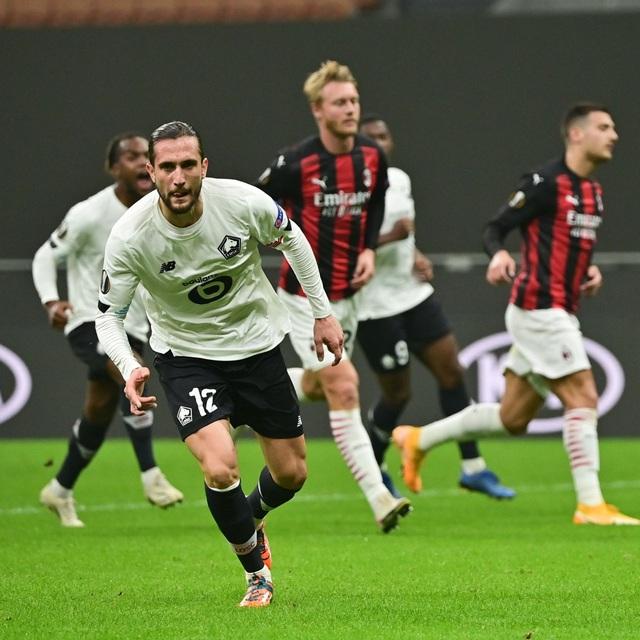 Kết quả lượt trận thứ 3 vòng bảng Europa League: Bóng đá Anh toàn thắng, AC Milan thua sốc - Ảnh 4.