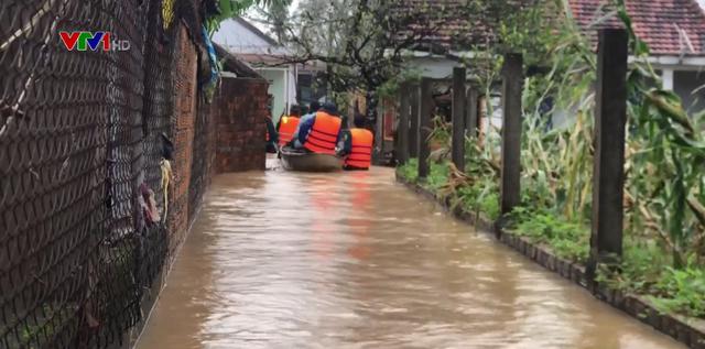 Hơn 800 hộ dân ở thị xã Đức Phổ (Quảng Ngãi) bị nước lũ cô lập - Ảnh 1.