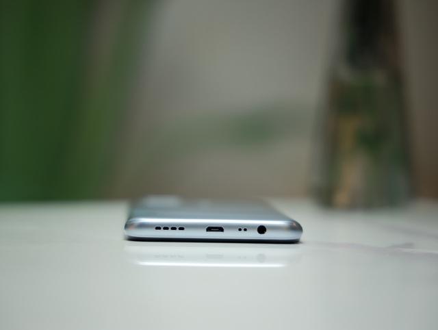 Trên tay Realme C15: Màn hình 6,5 inch, 4 camera sau, pin 6.000 mAh - Ảnh 7.