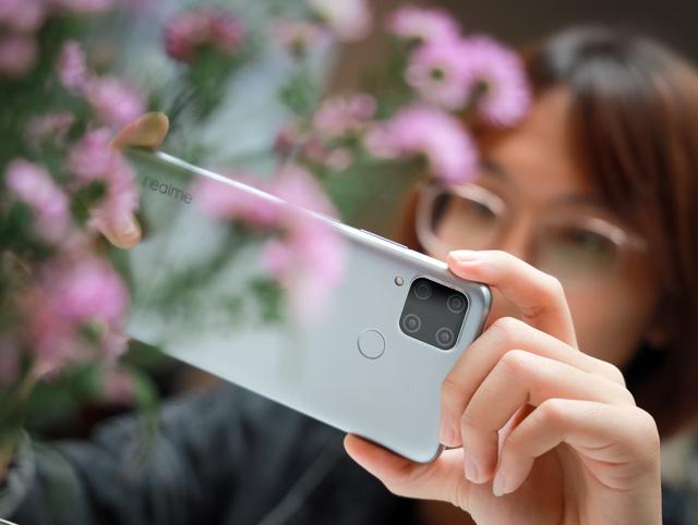 Trên tay Realme C15: Màn hình 6,5 inch, 4 camera sau, pin 6.000 mAh - Ảnh 5.