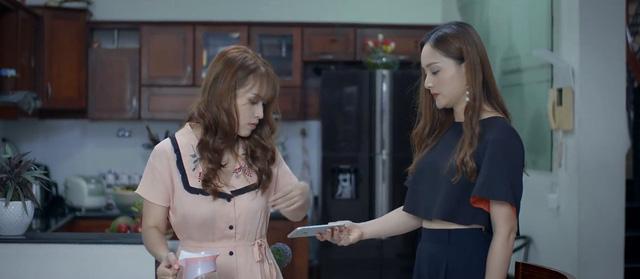 Trói buộc yêu thương - Tập 22: Chuyện bà Lan cặp với ông Phong cả thành phố đã biết? - Ảnh 1.