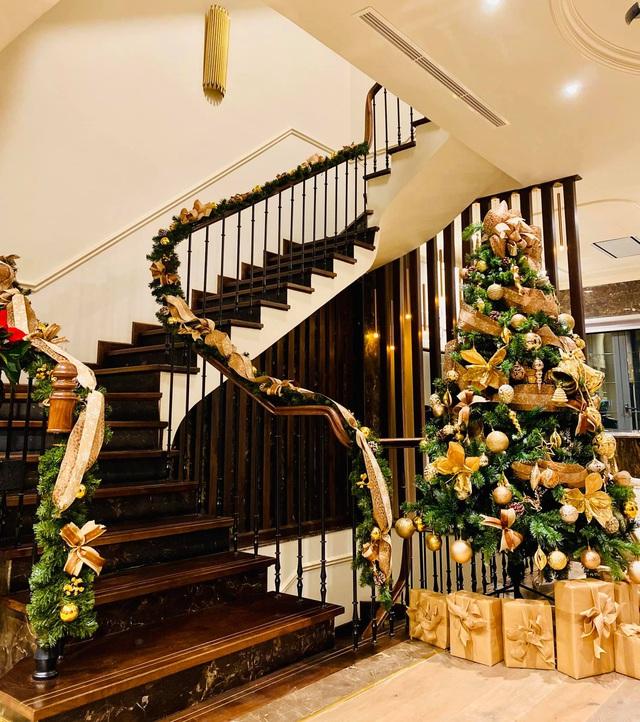 Biệt thự sang chảnh của Lã Thanh Huyền trang hoàng Giáng sinh sớm - Ảnh 6.