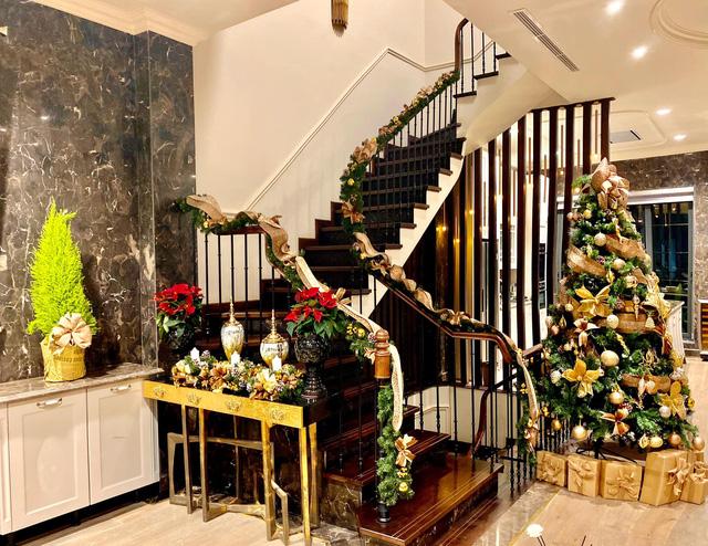 Biệt thự sang chảnh của Lã Thanh Huyền trang hoàng Giáng sinh sớm - Ảnh 5.