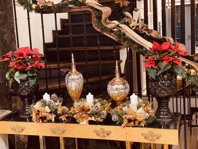 Biệt thự sang chảnh của Lã Thanh Huyền trang hoàng Giáng sinh sớm - Ảnh 3.