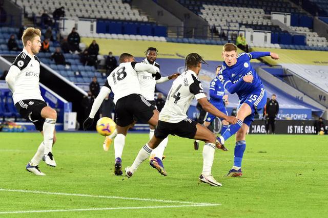 Leicester City 1-2 Fulham: Thất bại bất ngờ (Vòng 10 Ngoại hạng Anh) - Ảnh 2.