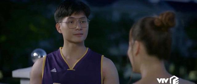 Trói buộc yêu thương: Lan Phương kể chuyện đóng cùng trai trẻ không sướng như tưởng tượng - Ảnh 1.