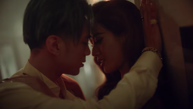 """Mỹ nữ khiến Soobin lao đao trong MV """"Black Jack"""" là ai? - Ảnh 4."""