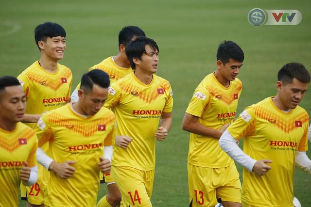 ẢNH: ĐT Việt Nam cười thả ga trong buổi tập thứ 5 - Ảnh 4.