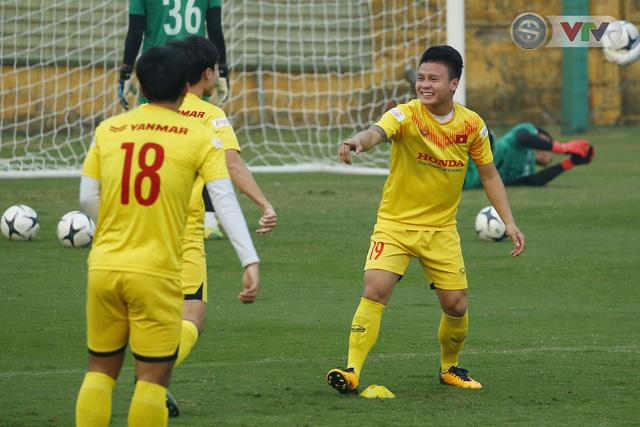 ẢNH: ĐT Việt Nam cười thả ga trong buổi tập thứ 5 - Ảnh 7.
