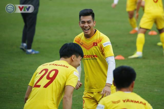 ẢNH: ĐT Việt Nam cười thả ga trong buổi tập thứ 5 - Ảnh 11.