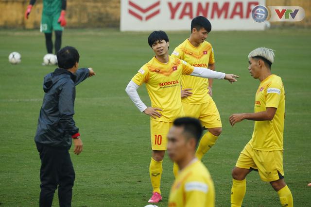 ẢNH: ĐT Việt Nam cười thả ga trong buổi tập thứ 5 - Ảnh 8.