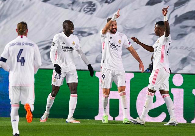 Real Madrid 2-0 Mgladbach: Cú đúp của Benzema - Ảnh 2.