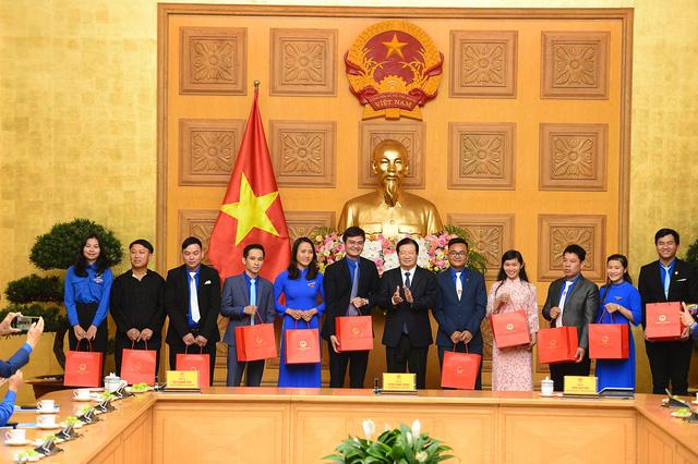 56 thanh niên nông thôn tiêu biểu nhận Giải thưởng Lương Định Của năm 2020 - Ảnh 7.