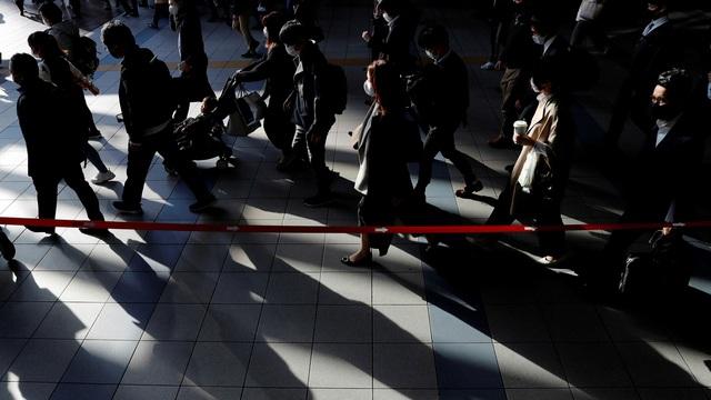 Khủng hoảng vì COVID-19 ở Nhật: Hơn 2.000 người tự tử trong 1 tháng - Ảnh 1.