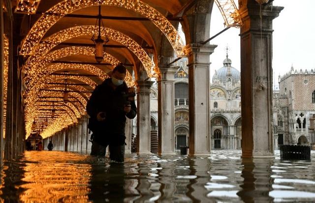 Thành phố nổi tiếng Venice (Italy) chìm trong biển nước - ảnh 1
