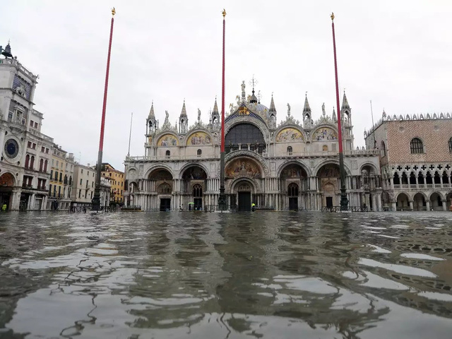 Thành phố nổi tiếng Venice (Italy) chìm trong biển nước - ảnh 2