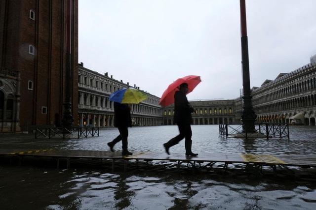 Thành phố nổi tiếng Venice (Italy) chìm trong biển nước - ảnh 3