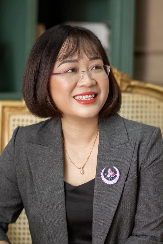 Nhà báo Thanh Huyền: Làm giám khảo LHTHTQ áp lực nhưng rất hứng khởi - Ảnh 3.