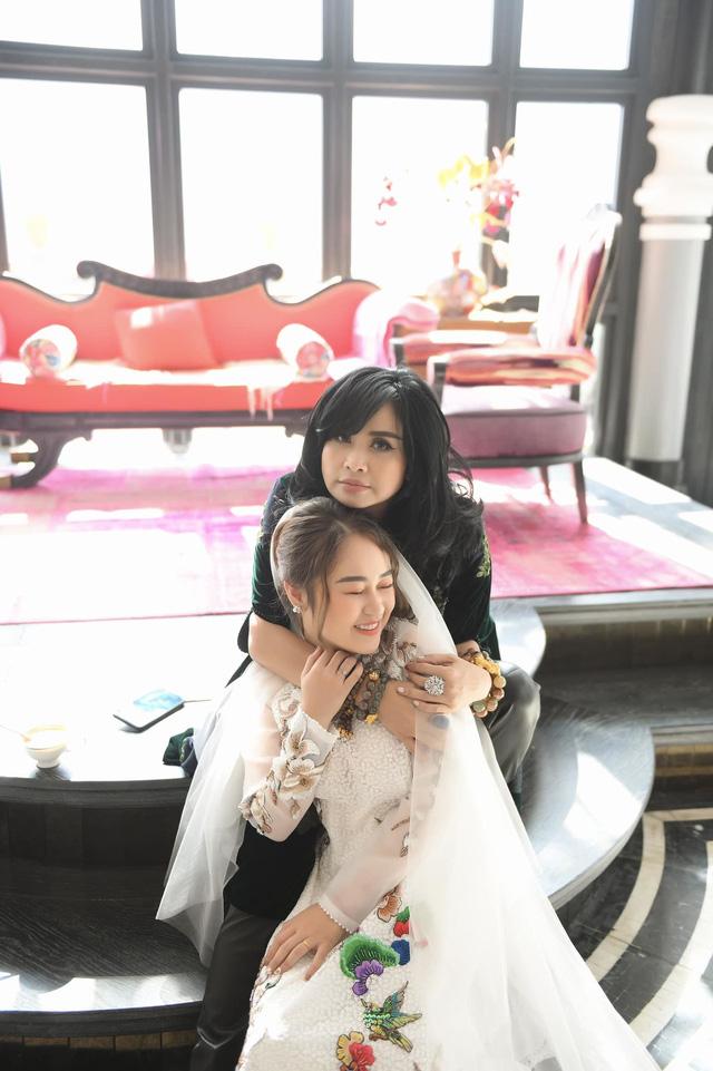 Thanh Lam tiết lộ ảnh cưới của con gái Thiện Thanh - Ảnh 1.