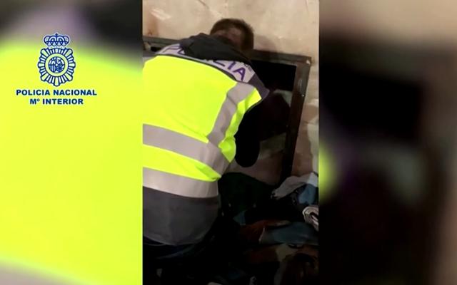 Tây Ban Nha: Bắt giữ 3 đối tượng trong vụ hàng chục người di cư bị nhốt trong công xưởng - Ảnh 1.