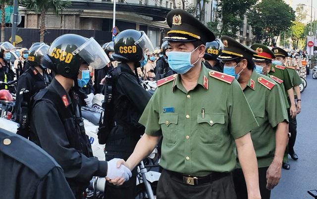 Công an Thành phố Hồ Chí Minh tổ chức ra quân trấn áp tội phạm dịp cận Tết - Ảnh 1.
