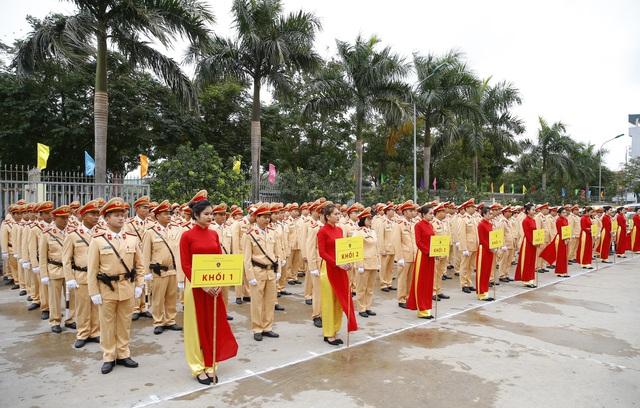 [Ảnh] CSGT ra quân bảo đảm trật tự, an toàn giao thông phục vụ bảo vệ Đại hội XIII của Đảng - Ảnh 1.